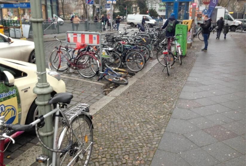 Spiekermann: Standort- und Potenzialanalyse an Berliner ÖPNV-Stationen - Parkstation